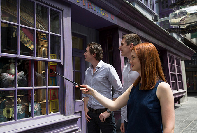diagon_alley_wand_in_action