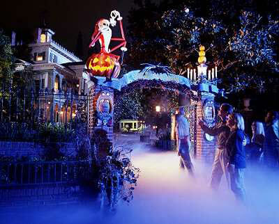 Haunted-Mansion-Holiday