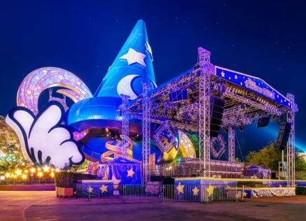 disney hat stage