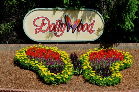 Dollywood To Reopen Friday After Devastating Forest Fires Sweep The Great Smoky Mountains
