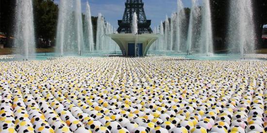 Kings Island Fountain Soccer Balls II