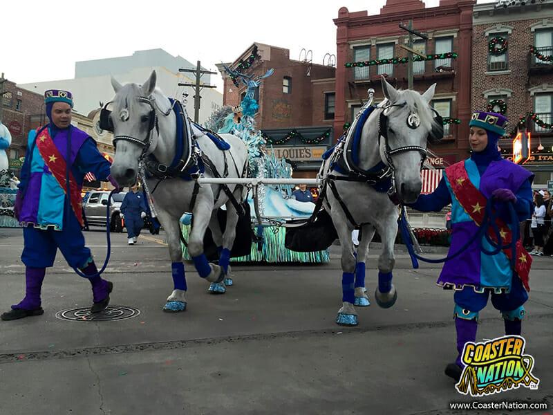 macys holiday parade horses