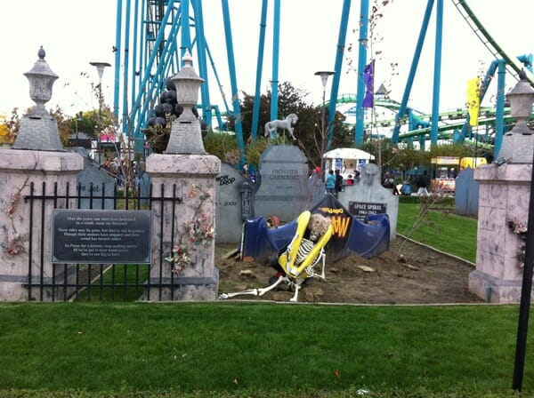 cedar point halloweekends ride graveyard