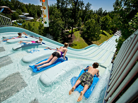 Busch Gardens Williamsburgs Water Country USA Extends Season