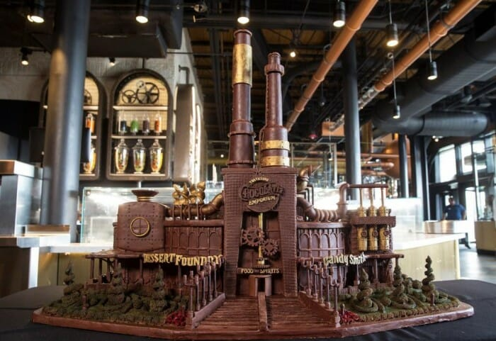 Universal Orlando Hosts Renowned Chocolate Artist for National Chocolate Day