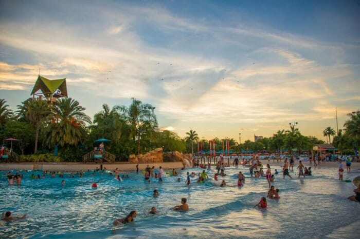 SeaWorld Orlando Offers After Holiday Sales For Aquatica