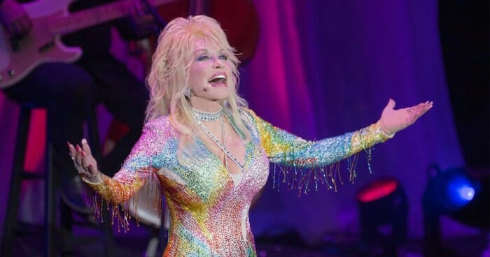 Dolly Parton Announces New Dinner Show in Pigeon Forge