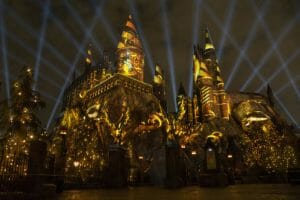 """VIDEO: Harry Potter Projection Show """"Nighttime Lights at Hogwarts Castle"""" Test Run At Universal Studios Hollywood"""