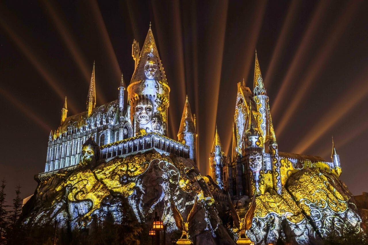 New Dark Arts At Hogwarts Castle Projection Show Coming To Wizarding World Of Harry Potter At Universal Orlando